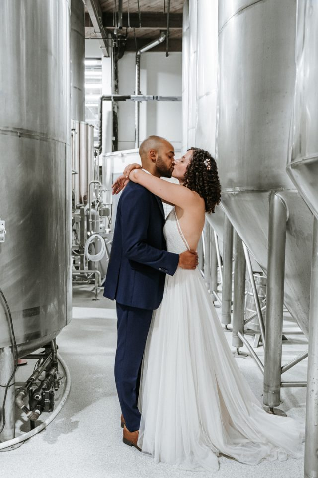 Kelsey & Dave Kiss